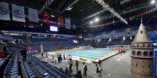 Yüzme şöleni Sinan Erdem'de