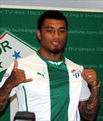 Bursaspor, Kazım'a 4 yıllık imza attırdı