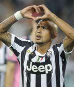 Juve Vidal'ı bırakmıyor