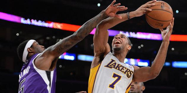 Lakers seriye başladı