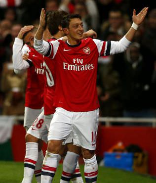Mesut �zil'in gol� Arsenal'e yetmedi