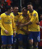 Arsenal liderliği geri aldı