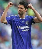 Chelsea'yi iki zor maç bekliyor