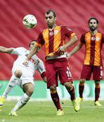 Galatasaray liderli�ini sürdürdü