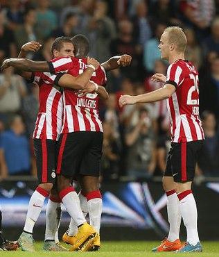 PSV liderli�ini korudu