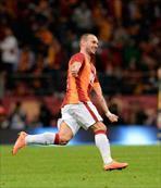 Sneijder Ronaldo'yu sollad�