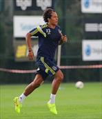 Alves tak�m ar�yor