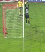 Balıkesir'de ilginç gol!