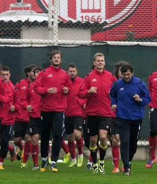 Antalyaspor'da ama� lideri yenmek