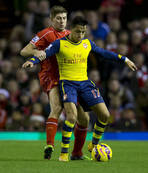Arsenal ka�t�, Liverpool yakalad�