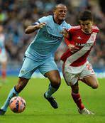 Manchester City kupada havlu attı