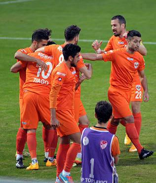 Adana 3 puana 3 golle uzand�