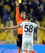 Maçın hakeminden Akhisarlı futbolcuya: