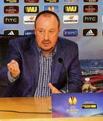 Benitez 4-0'a rağmen temkinli