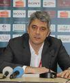 Oktay Mahmuti basın toplantısını terk etti