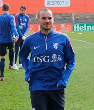 Sneijder: Gol atarsam sevinirim