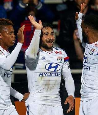 Olympique Lyon liderli�ini s�rd�rd�