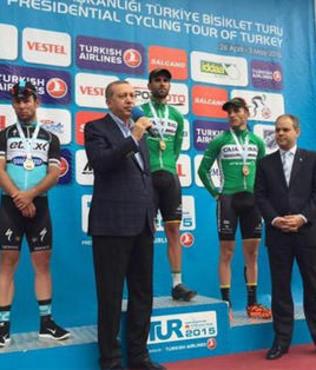 TUR 2015'te zafer Kristijan Durasek'in
