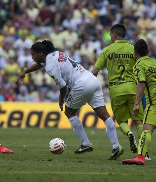 Ronaldinho'dan sert tepki