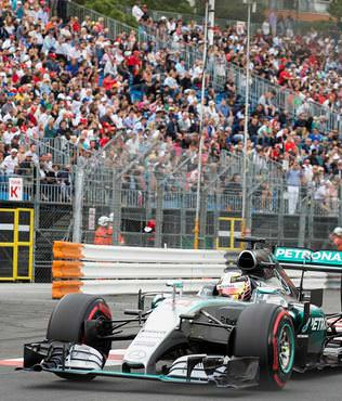 "Hamilton 5. kez ""pole"" pozisyonunda"
