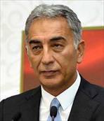 Adnan Polat trafik kazası geçirdi
