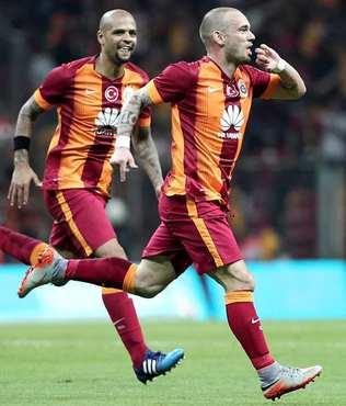 Sneijder s�z�n� tuttu