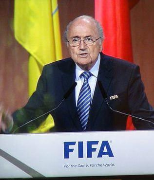 Blatter yeniden ba�kan
