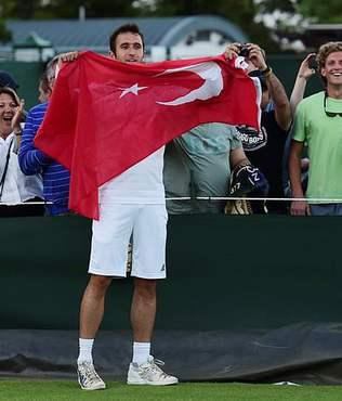 Marsel �lhan Wimbledon'a veda etti