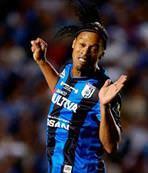 Ronaldinho tansiyon y�kseltti