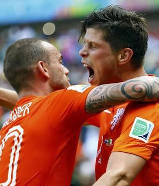 Sneijder Huntelaar'� getiriyor!