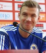 Roma sign Edin Dzeko