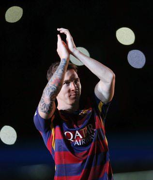 Y�l�n futbolcusu Messi