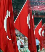 Konya'da yer gök kırmızı beyaz