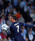 Ronaldo efsaneler aras�na girdi