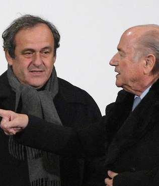 Blatter ve Platini'nin hesaplar�n� FIFA bozdu