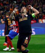 Sneijder patlad�!