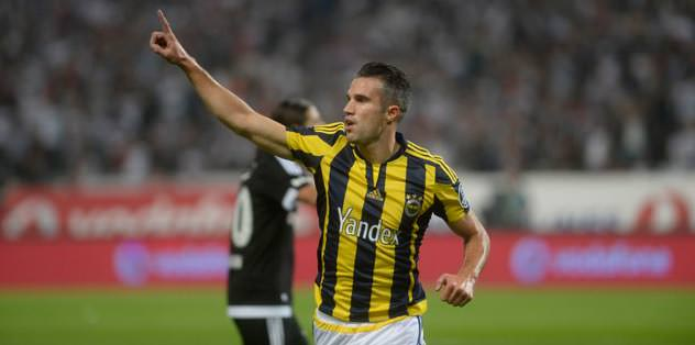 Fernandao out Persie in