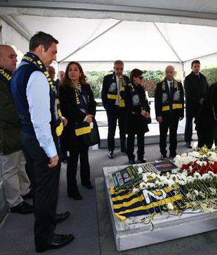 Mustafa Ko� kabri ba��nda an�ld�