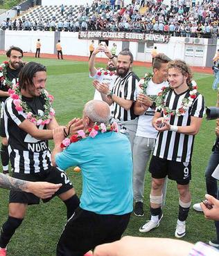 Manisaspor yeniden PTT 1.Lig'de