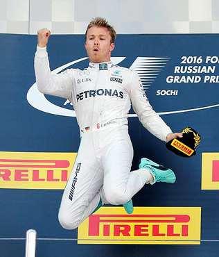 Rosberg art arda 7. kez birinci