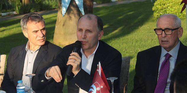 Trabzonspor camias� yemekte bir araya geldi