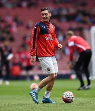 Arsenal, Mesut �zil'i bekliyor
