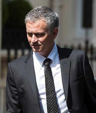 Jose Mourinho imzay� att�