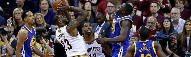 Cavaliers rout Warriors to 2-1
