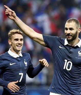 Fransa milli tak�m�ndan Benzema'ya ye�il ���k
