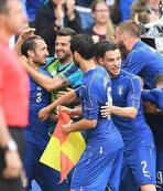 Italy book place in last 8