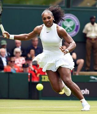 Serena galibiyetle ba�lad�