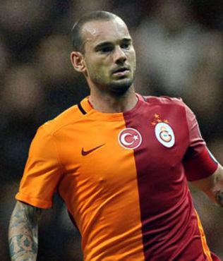 Sneijder, ilk antrenmana ��kmad�