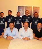 Adana Demirspor'da 7 imza