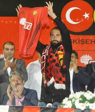 Erkan Zengin imzay� att�